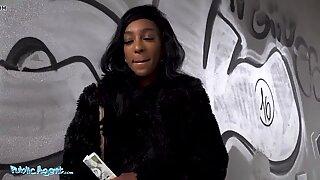 Public Agent British Ebony Asia Rae Bounces her Booty
