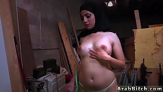 Fett Araberin dieser Stunner ist gehört!