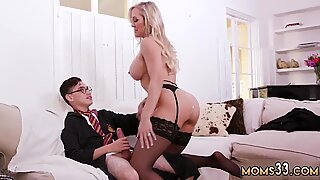 Skinny guy in glasses fucking horny busty mom