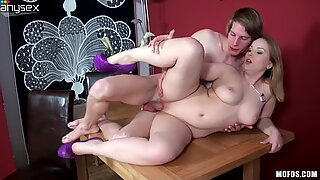 Fabulous blonde woman Eve Fox gets her chubby cunt fucked on top
