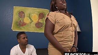 Black BBW Kelly Rayne smeared with cum after anal